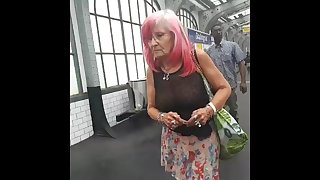 sexy granny flash pussy in public